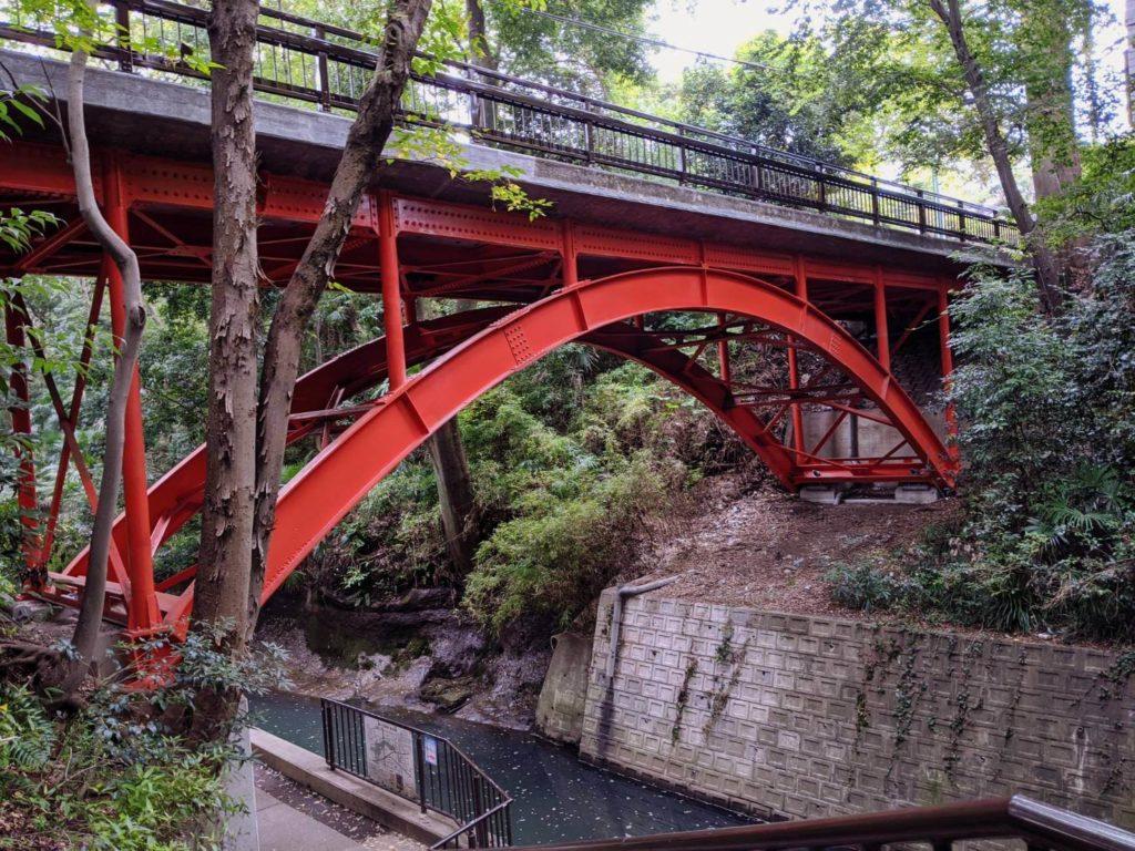 等々力渓谷内のゴルフ橋